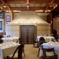 Gelbold Lavka Lavka Restaurant Escape